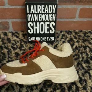 Jessica Simpson Sporta Fleece Fall Chunky Sneakers